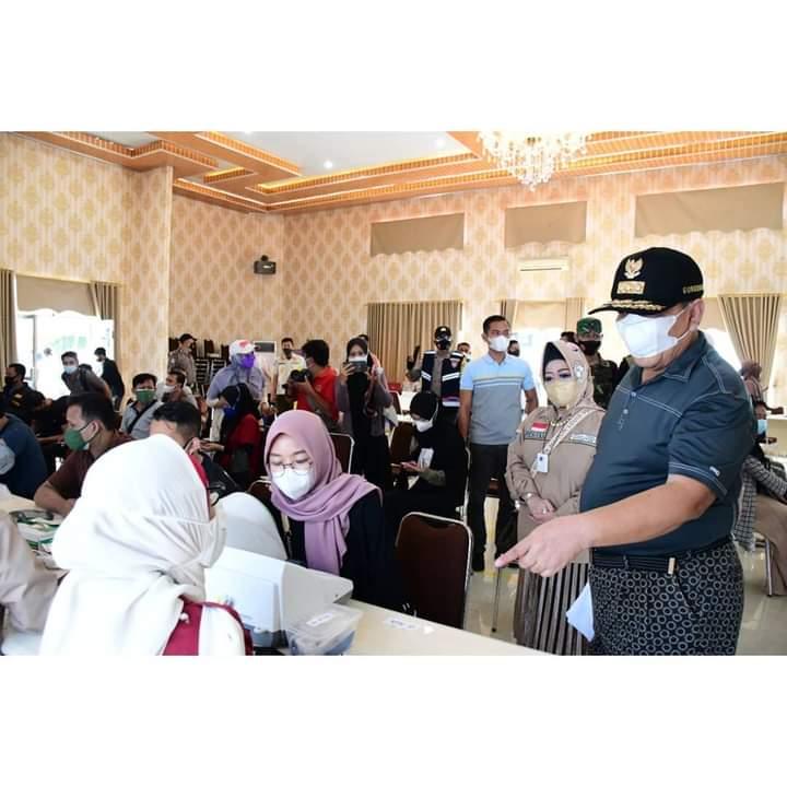 Gubernur Arinal Tinjau Pelaksanaan Vaksinasi Covid-19 yang Dilaksakan Pemprov Lampung